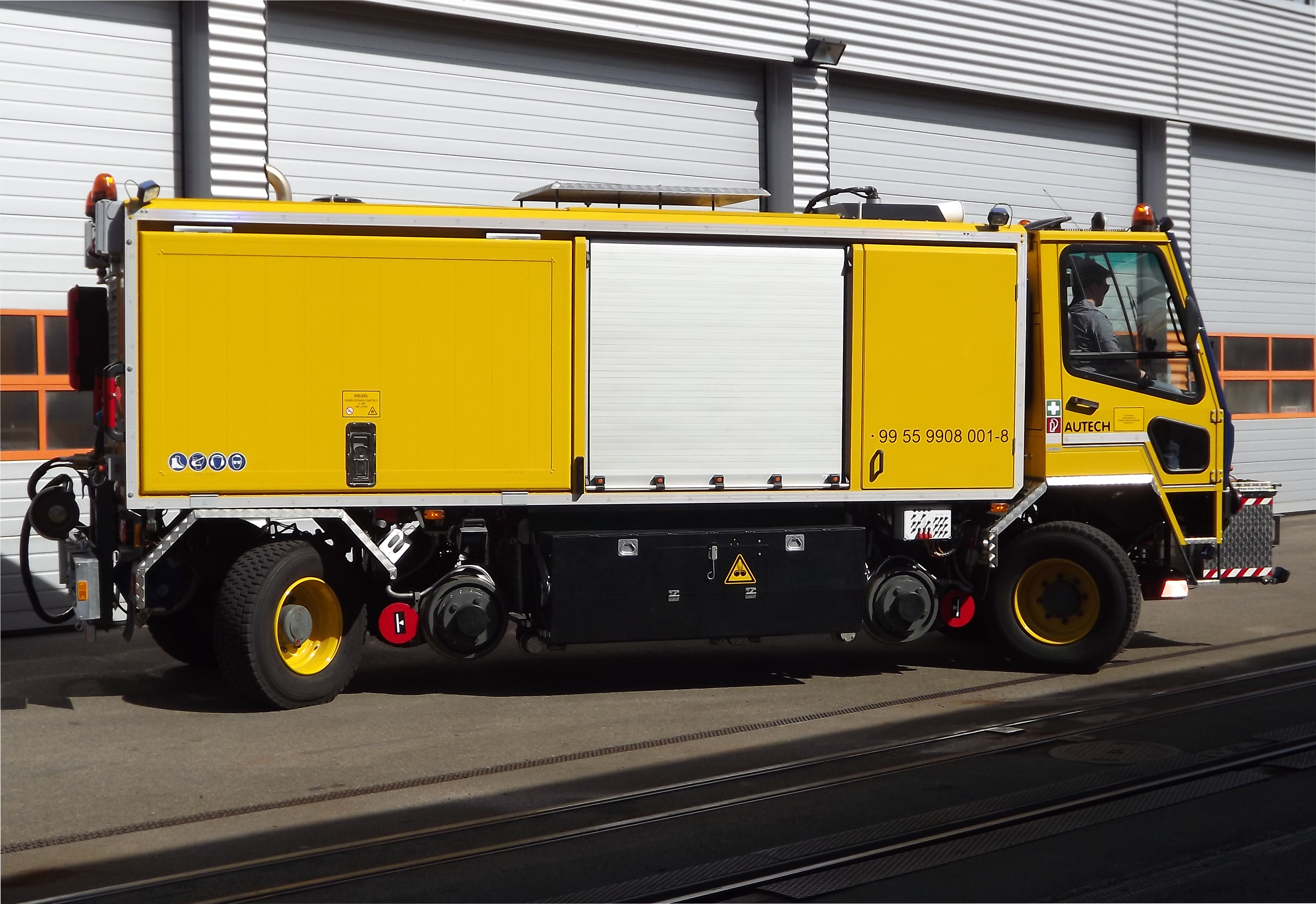 AT VM 8000-12E Two-way Rail Grinding Vehicle